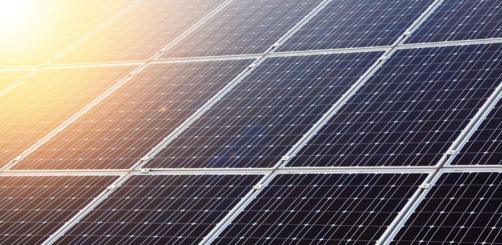 Parité réseau et autoconsommation panneaux solaires faire des économies