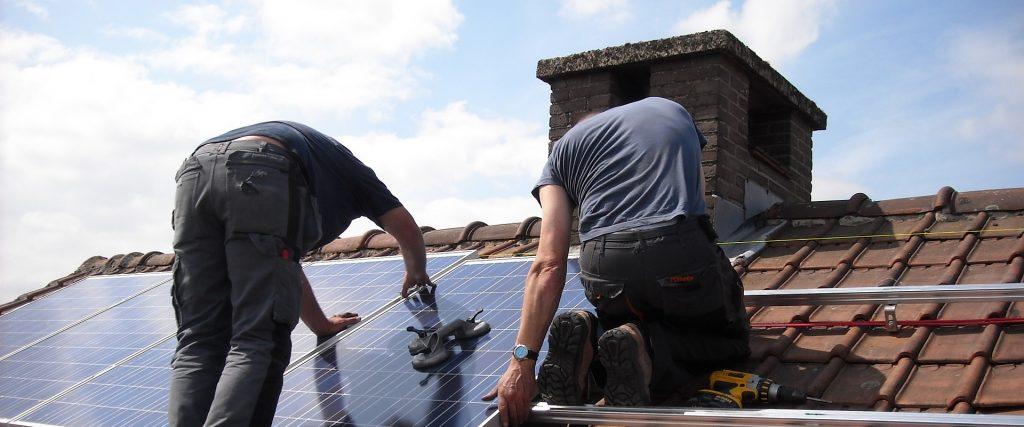Choisir installateur de panneaux solaires pour autoconsommation